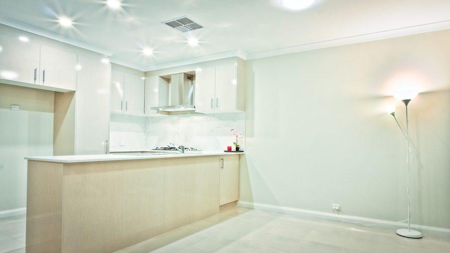 real-estate-1686336_960_720